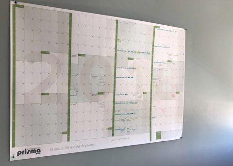 Prisma calendario gigante de pared personalizado